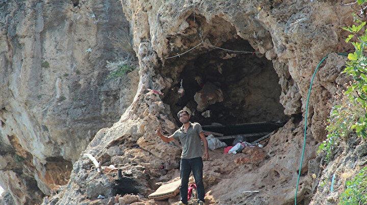 Falezlere yerleşti: 30 metre yükseklikte ölümle burun buruna yaşam