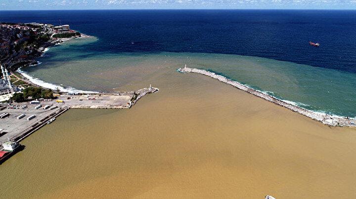 Zonguldakta deniz çamur rengine döndü