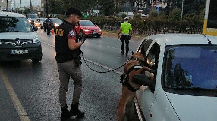 İstanbulda iki bin polisle huzur uygulaması: Aranan 361 kişi yakalandı