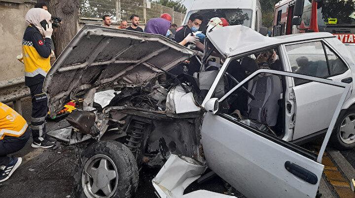 Bakırköyde feci kaza: Cadde savaş alanına döndü, yaralılar var