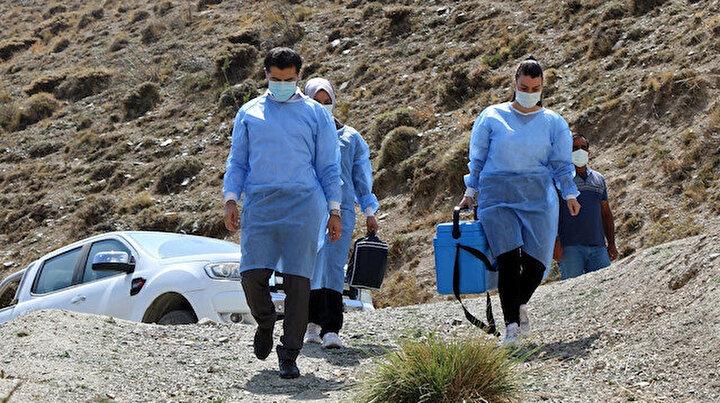 Erzincan'ın sarp dağlarını aşıp 2 bin 800 rakımlı Geyikli Yaylasında göçerleri aşıladılar