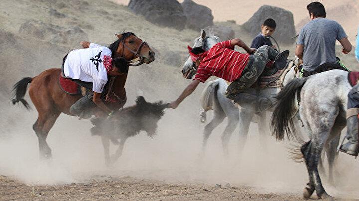 Vandaki Kırgız Türkleri 5 bin yıllık kökbörü sporunu yaşatmaya çalışıyor