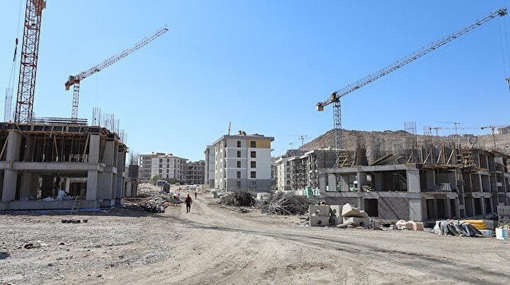 İzmirli depremzedelerin yaraları sarılıyor: Konutlar yıl bitmeden teslim edilecek