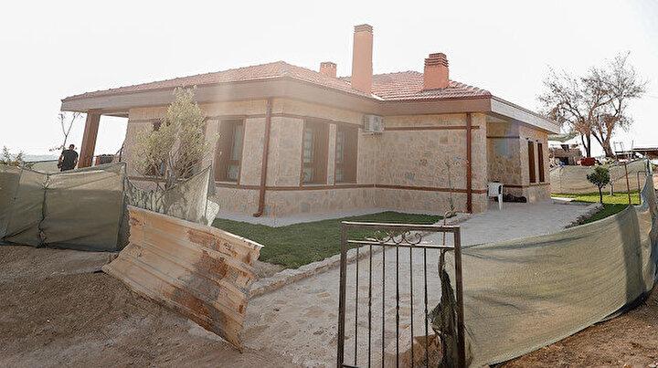 17 günde bitti: Murat Kurum söz verdi yaptı, yaşlı çift yeni evine yerleşti
