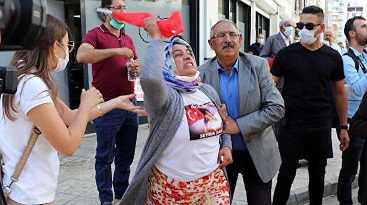 HDP önünde eylemdeki annenin feryadı: Kızım savcı olacaktı hayallerini çaldılar