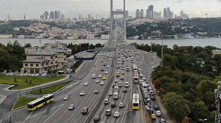 İstanbul'da trafik başladı: Yoğunluk yüzde 60'ı gördü