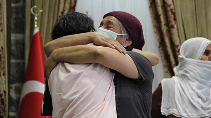 Altı buçuk yıl uğraştı PKKdan kaçan kızına kavuştu: En büyük zaferi sarıldığım an yaşadım