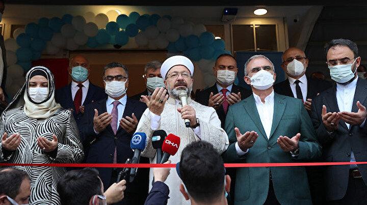 Diyanet İşleri Başkanı Erbaş, Diyarbakır'da TDV kitabevinin açılışını yaptı