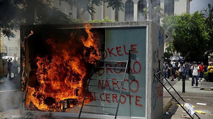 Bitcoin krizi ülkeyi karıştırdı: ATMleri ateşe verdiler