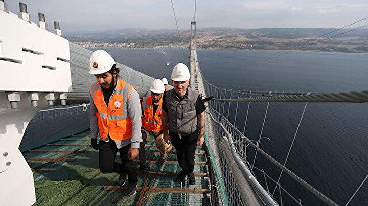 Bakan Karaismailoğlu 1915 Çanakkale Köprüsünden yürüyerek Anadoludan Avrupa kıtasına 3,5 saatte geçti