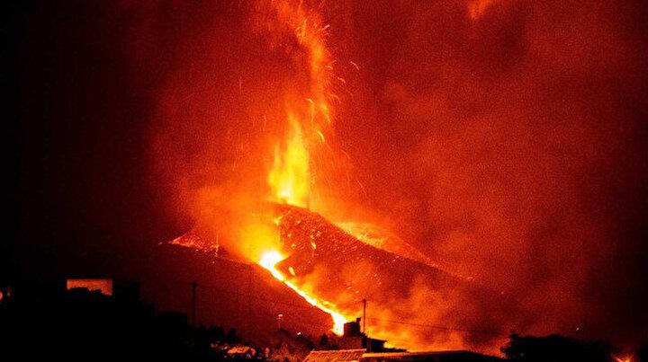 İspanyadan çarpıcı görüntüler: Korkulan oldu lav çıkışı yoğunlaştı