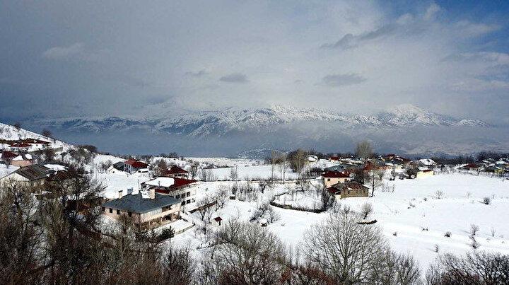 Türkiye dört mevsim: Doğuda kar yağıyor Bodrumda vatandaş denize giriyor