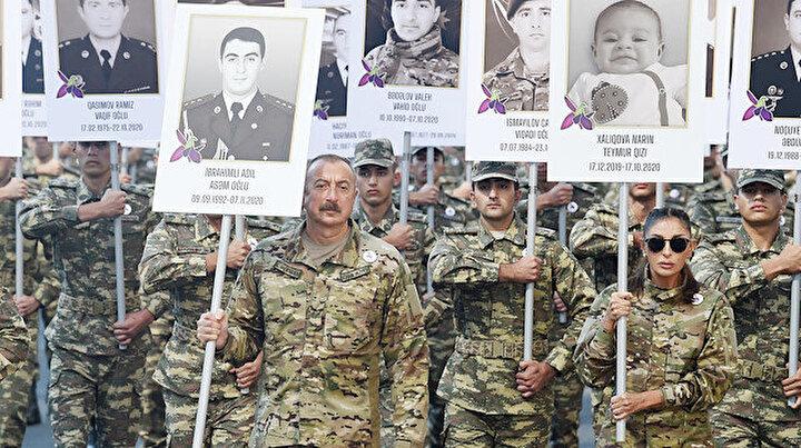 Azerbaycanda 2. Karabağ Savaşı şehitlerinin anısına yürüyüş düzenlendi