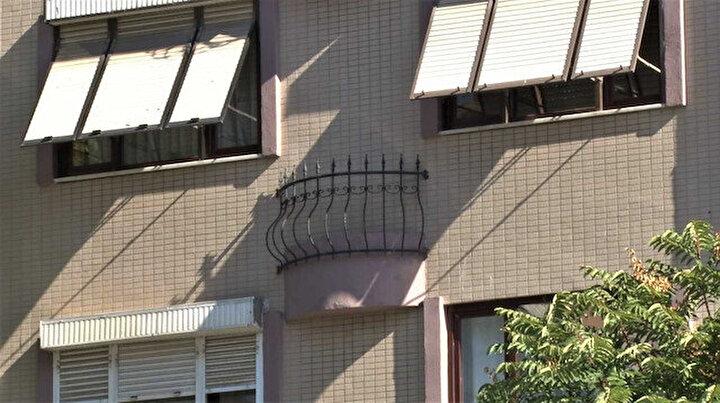 Ne camı var ne de kapısı: Bu apartmandaki garip balkonlar görenleri şaşırtıyor
