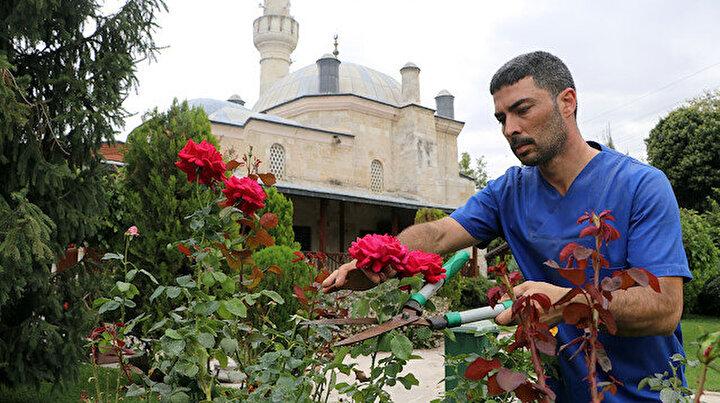 Çevreci kimliğiyle ön plana çıkıyor: Hayatının merkezindeki camide imamlık yapmanın mutluluğunu yaşıyor