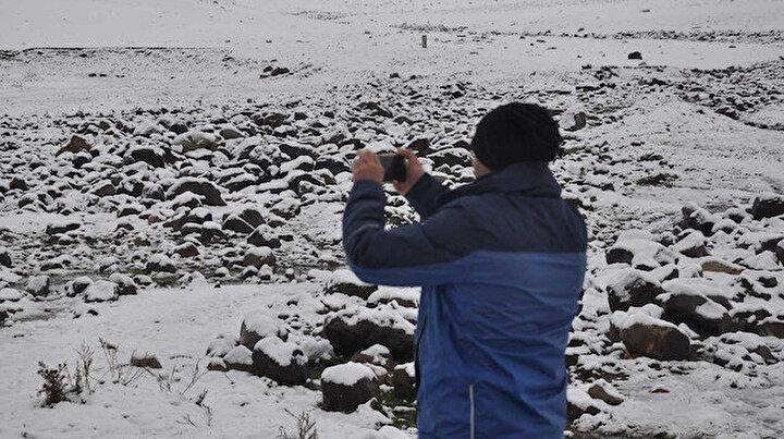 Kış bu sene çok erken geldi: Kars'ta kar ile hava sıcaklığı eksi 5 dereceye düştü
