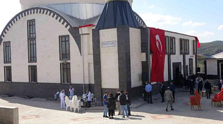 Cezaevi yerleşkesine tam kapsamlı Adalet Cami açıldı: Osmani mimarisi ile inşa edildi