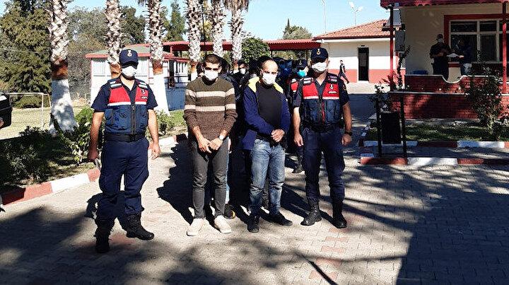 Antalya'da deniz kıyısındaki sazlık alana saklanan 28 düzensiz göçmen yakalandı