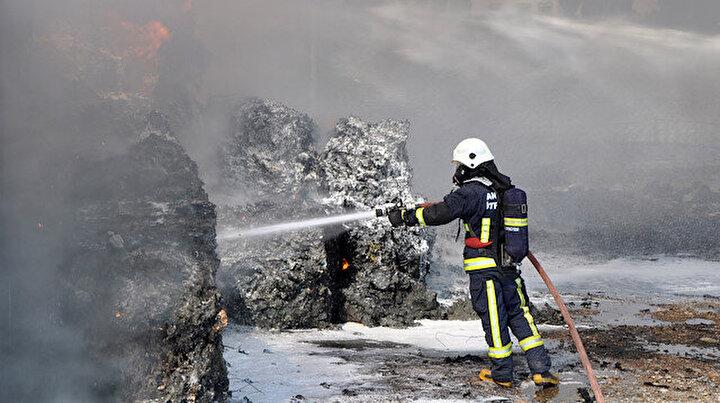 Antalyada geri dönüşüm deposunda yangın