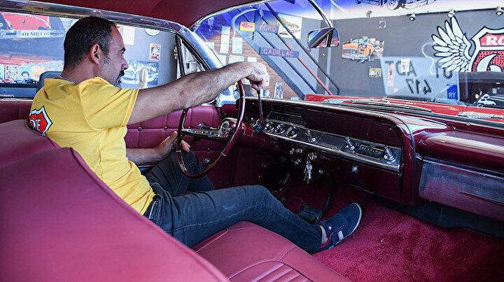 Hurda klasik otomobili alıp yeniden şekillendiriyor: Restorasyonları aylar sürüyor