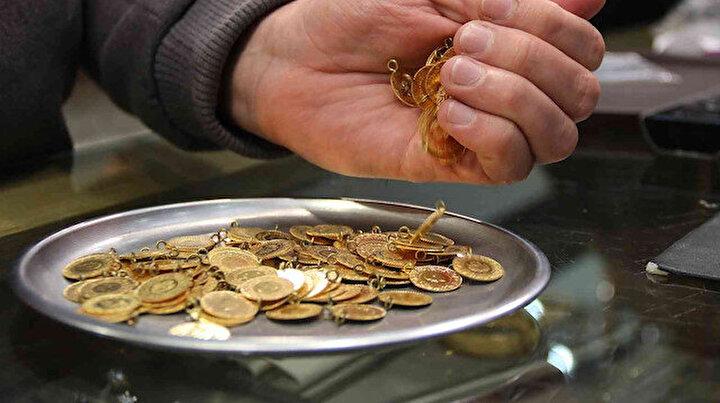 Vatandaş kuyumcuya koşuyor: Altın alınır mı, altını bozdurmak güvenli mi?