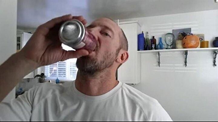 Deneyinin adına 'Her Gün 10 Kola' adını veren George Prior, deneyinin adından da anlaşılacağı gibi 1 ay boyunca her gün 10 kutu kola içti.