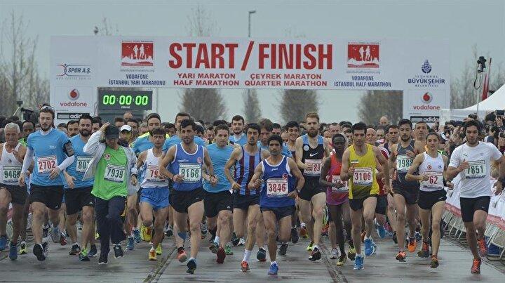 Vodafone İstanbul Yarı Maratonunu elit atletler kategorisinde Kenyalı sporcular kazandı. Erkeklerde Evans Kiplagat, kadınlarda ise Gladys Chereno, parkur rekoru kırarak birinci oldu.