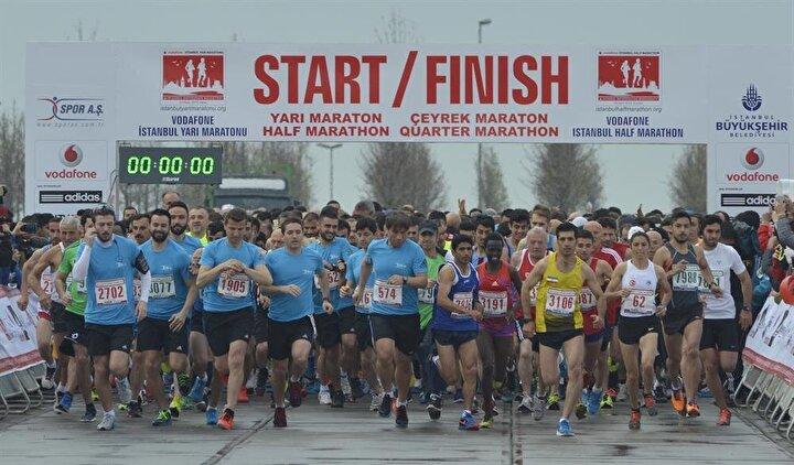 Yenikapı Miting Alanında başlayarak Kumkapı, Sirkeci, Eminönü, Unkapanı, Fener ve Balatı geçerek, Haliç Köprüsü altında bulunan ışıklardan dönüş yapıp aynı istikameti seyreden atletler, yarı maratonu yarışın start aldığı Yenikapı Miting Alanında tamamladı.