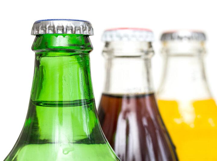 Meyve suları: pH'ı 7 den düşük olan gıdalar dişlere zarar verir. Meyve sularının pH'ı da 2,5 olduğu için dişlere oldukça zararlı.