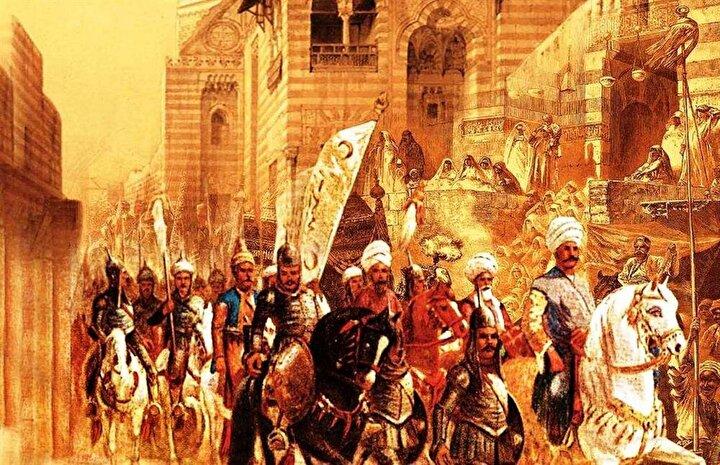 """Yavuz Sultan Selim, 1514 yılında Çaldıran Seferi'ne çıktığında düşmanın ortalıkta görünmemesinden ve uzun yolculuktan bezen yeniçeriler, padişaha isyan etmişler ve padişahın çadırına saldıracak hale gelmişlerdi. Memleket meselelerinde çok hassas olan Yavuz, atına binip yeniçerilerin arasına girip. hepsine öfkeyle baktıktan sonra, şu konuşmayı yaptı: """"Be hey asker kıyafetli korkaklar! Maiyetimde, yiğitlik ve kahramanlık göstereceğinize böyle mi hareket edersiniz! Askerde itaat emre karşı gelmek midir? Çoluğunu, çocuğunu, karısının kucağını savaş meydanına tercih edenler, geriye dönsünler, onlara izin veriyorum. Ben buraya geri dönmek için gelmedim. Meşakkatlere, zahmetlere göğüs germeden nasıl zafer kazanılır? Asıl hedefimize bu kadar yaklaşmış iken, rezil bir şekilde geri dönmek yiğitliğe, mertliğe yakışır mı? Ölümden korkanlar, geri dönsünler. Bizi isteyip yolumuzda can ve baş fedâ edecek yiğitler ölümden korkmazlar. İçinizde er yoksa ben tek başıma savaşırım."""""""