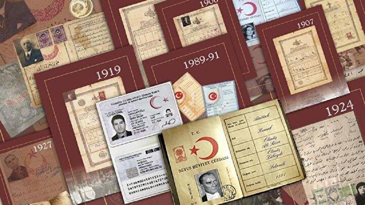 1889: OSMANLIDA İLK NÜFUS CÜZDANI   1836da Umuru Mülkiye Nezareti adıyla kurulan ve 1838de Dahili Nezareti ismini alan kuruma bağlı, nüfus hizmetlerini yürütmek için 1884te Nüfusu Umumiye Müdüriyeti kuruldu. Daha sonra 1889da Sicilli Nüfus Ahali İdare-i Umumiyesi adı verilen bu kurum tarafından Osmanlının ilk nüfus cüzdanı Devlet-i Aliyye-i Osmaniyye Tezkiresi dağıtıldı. Söz konusu dönemde bu nüfus tezkerelerinin, herhangi bir nüfus kaydına dayanmaması, tezkereyi taşıyan kişinin nüfus kütüğüne kayıtlı olmaması nedeniyle resmi işlemlerde pek yararlı olmadığı tespit edildi.
