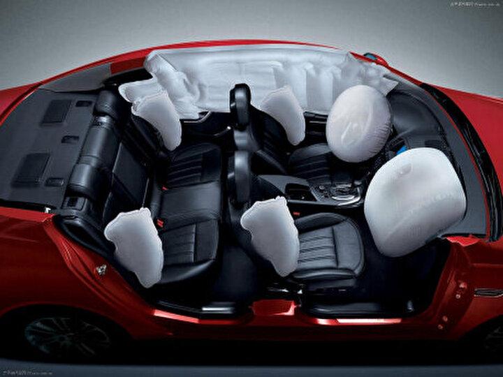 Arabalardaki hava yastıkları saatte 200 milde patlar.