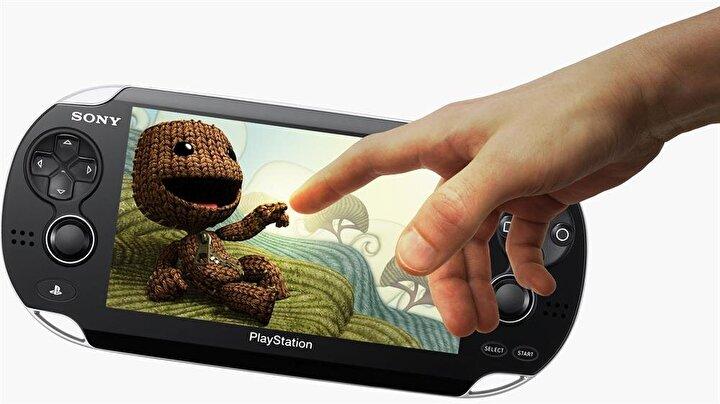 Game Gearın tasarımına oldukça benzeyen PS Vita şu anda en son teknolojiye sahip oyun konsollarından birisi.