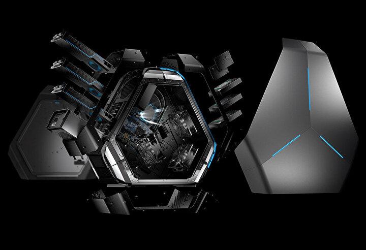 Alienware hala oyun bilgisayarı üretmeye devam ediyor ve aynı modelin en son versiyonu bu şekilde görünüyor.