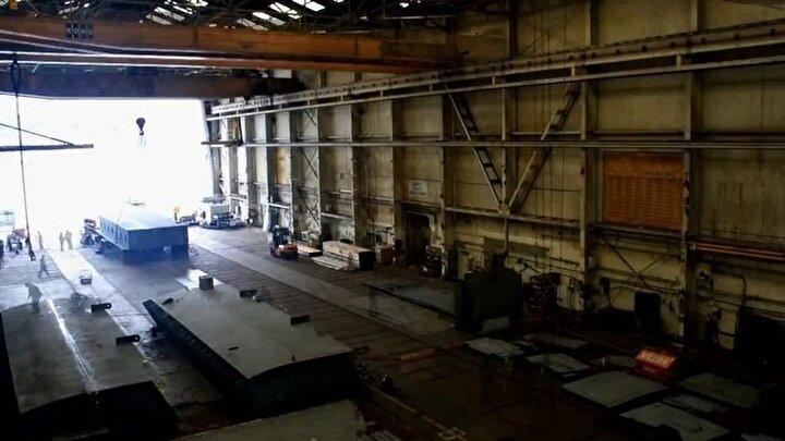 1100 ton ağırlığındaki dev feribotun yapım aşamaları böyle görüntülendi...