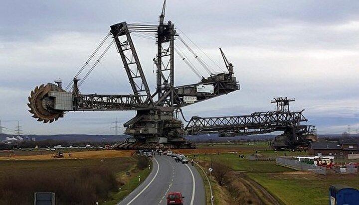 100 Milyon Dolarlık bu makine (Bagger288), Alman Krupp (Şimdi ThyssenKurpp) firması tarafından enerji ve maden sektöründe faaliyet gösteren Rheinbraun firması için üretildi.