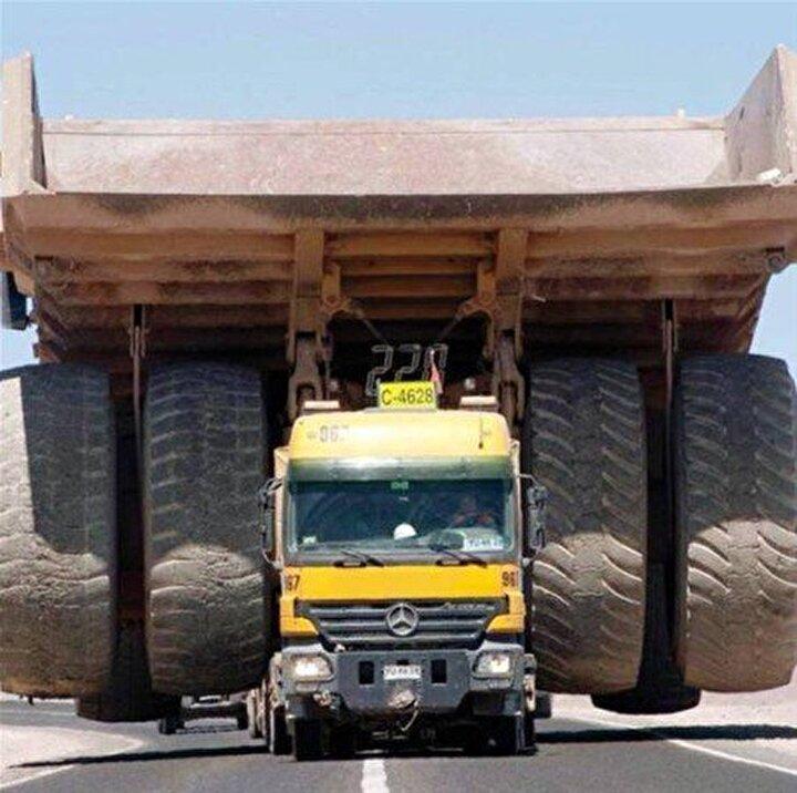 250 ton ağırlığındaki dev  maden kamyonunu böyle taşıdılar...