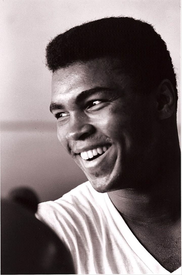 Muhammed Ali vefat etti