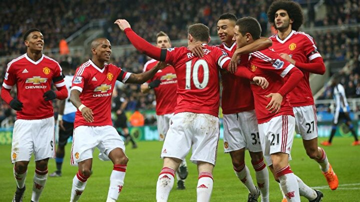 5 - Manchester United (futbol): 3,32 milyar dolar