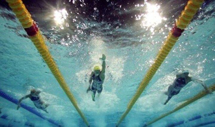Olimpiyatların en sevilen dallarından birisi olan yüzmedeki temsilcilerimiz: Viktoria Zeynep Güneş (100 ve 200 metre kurbağalama, 200 ve 400 metre karışık), Nezir Karap (400 metre serbest), Nida Eliz Üstündağ (200 metre kelebek), Ekaterina Avramova (200 metre sırtüstü).