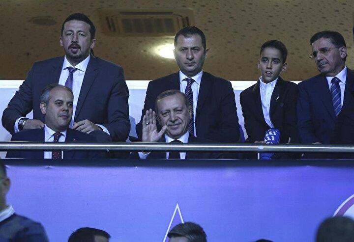 Cumhurbaşkanı Erdoğan tribünde