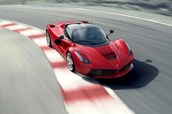 Ferrari LaFerrari (347 Km/s)