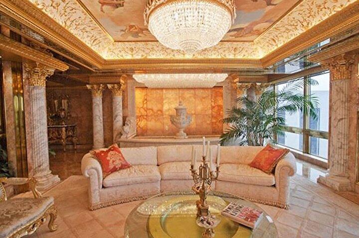 Her biri milyonlarca dolar değerindeki tablo ve diğer sanat eserleriyle dekore edilmiş.
