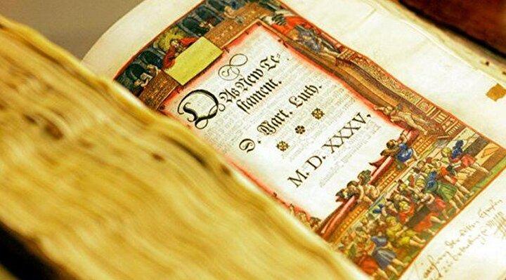 En çok okunan kitap: İncil birden fazla rekoru elinde bulunduruyor. Guinness Rekorlar Kitabı 2,5 ila 5 milyar arasında bir rakama işaret etmesine rağmen, kaç nüsha basıldığı sadece tahminlere dayanıyor. Dünya İncil Cemiyeti'ne göre bu sayıya her yıl yaklaşık 20 milyon İncil ekleniyor. Kitap 2 bin 500'den fazla dile tercüme edildi. Bu da bir rekor.