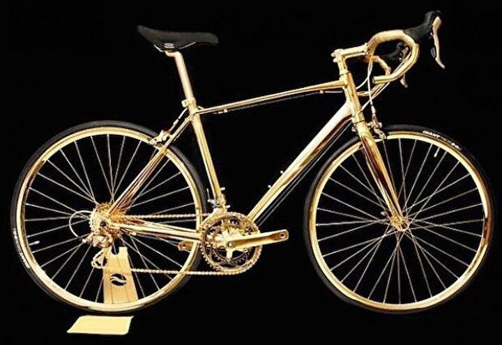 Altın bisiklet 500 bin dolara satıldı.