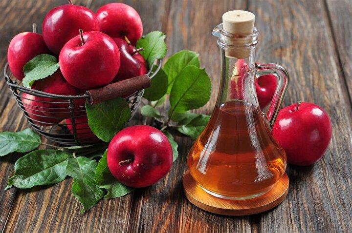 Her gün elma yemek neredeyse vücudunuzu 5 kanser türüne yakalanmaya karşı koruyor ve kanser riskini ortadan kaldırmanıza yardım ediyor.