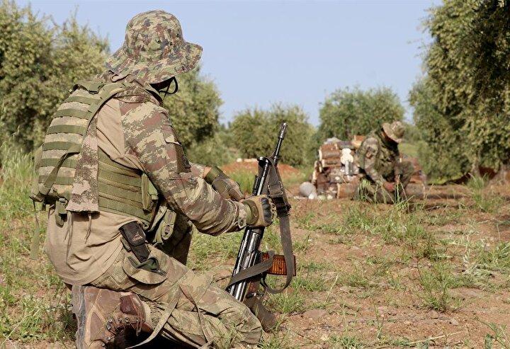 TSK, teröristlerden kurtardığı Afrinde güvenliği artırmak için arama tarama çalışmalarına devam ediyor.