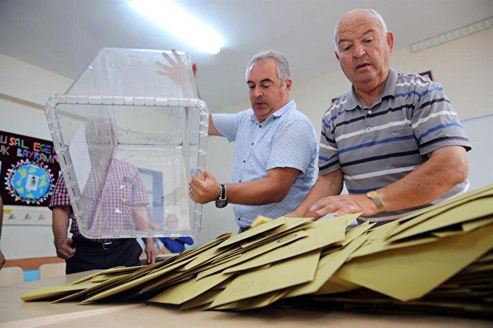 Yurtdışında 60 ülke ve 123 temsilcilikte kullanılan ve Türkiyeye getirilen oylar da aynı anda sayılacak.