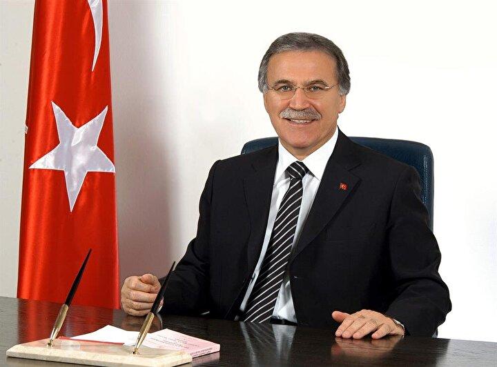 23 yıl önce İstanbul Milletvekili olarak parlamentoda görev yapmaya başlayan Mehmet Ali Şahin de İstanbul, Antalya, Karabük Milletvekili seçildi. Şahin, 58 ve 59. hükümetlerde Devlet Bakanı ve Başbakan Yardımcısı, 60. Hükümette Adalet Bakanı, 23. Dönemde ise TBMM Başkanı oldu.