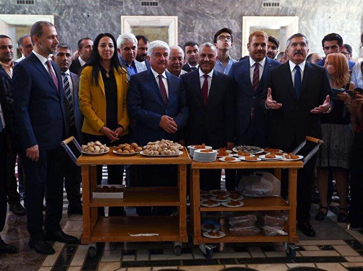 AK Parti Hatay milletvekilleri Hüseyin Yayman, Hacı Bayram Türkoğlu, Hüseyin Şanverdi ve Abdulkadir Özel, TBMMye gelerek kayıt yaptırdı.